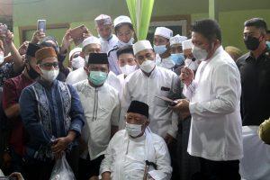 Sejumlah Tokoh Penting Hadiri Prosesi Pemakaman Imam Besar Masjid Agung SMB II Jayo Wikramo